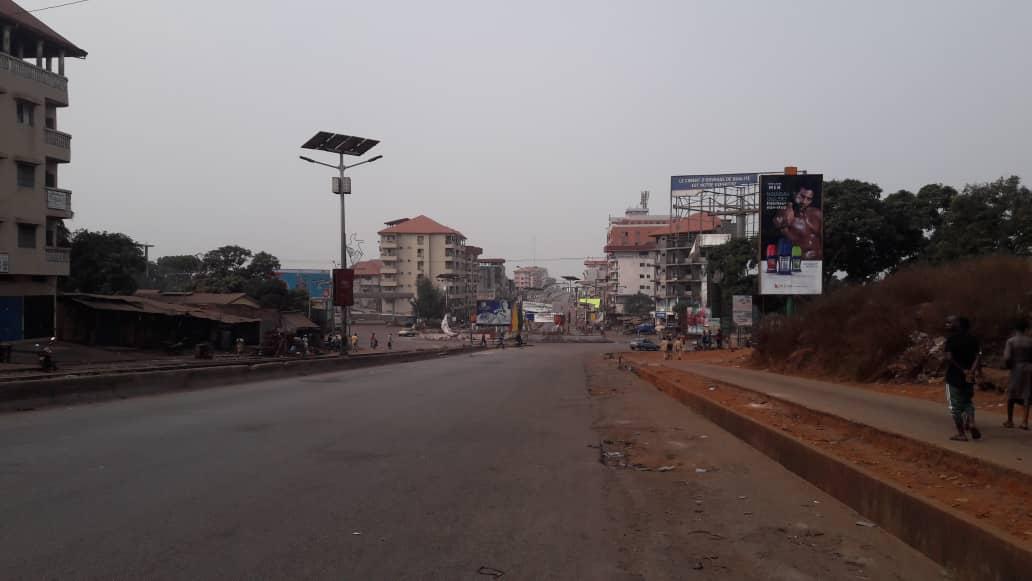 Manifestations du FNDC: commerce et circulation paralysés à Conakry