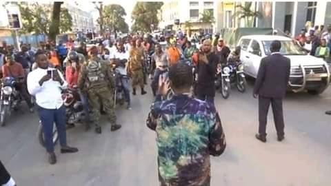 Etat d'urgence sanitaire : Alpha Condé s'offre un bain de foule à Kaloum