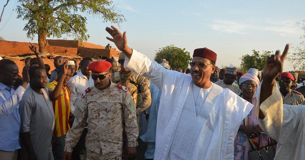 Présidentielle au Niger: Bazoum déclaré vainqueur, selon des résultats provisoires déjà contestés